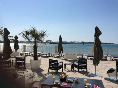 Luxury holiday rental Ile de Ré La Rochelle Ile d'Oleron Royan Saintes charming apartment house