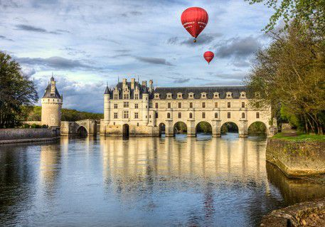 Luxury real estate agency luxury charm France and Abroad